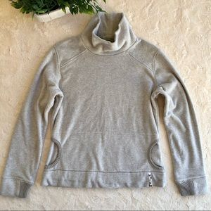 Lole turtleneck gray sweater kangaroo pocket MD